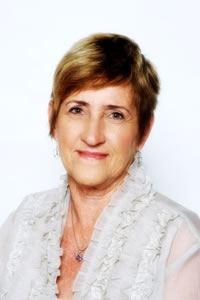 Perth Marriage Celebrant – Maureen Meredith